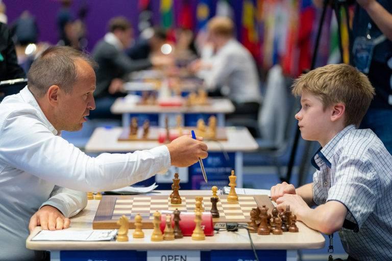 Лея гарифуллина преследует лидеров   chess-news.ru